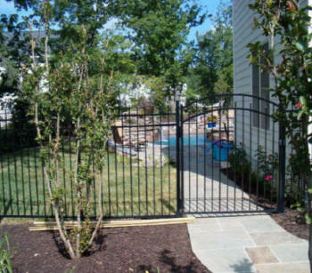 Columbia fencing around pool safety picket company vinyl for Landscaping rocks columbia sc