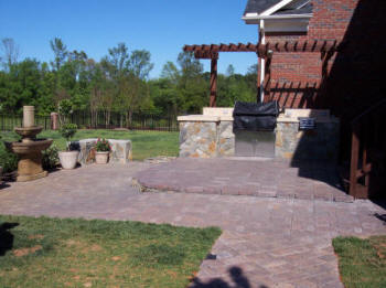 Columbia sc patios company columbia flagstone porch for Landscaping rocks columbia sc