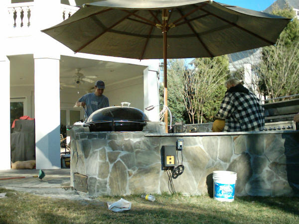 Cost to build outdoor room 2018 we do it all kitchen for Outdoor kitchen cost estimator